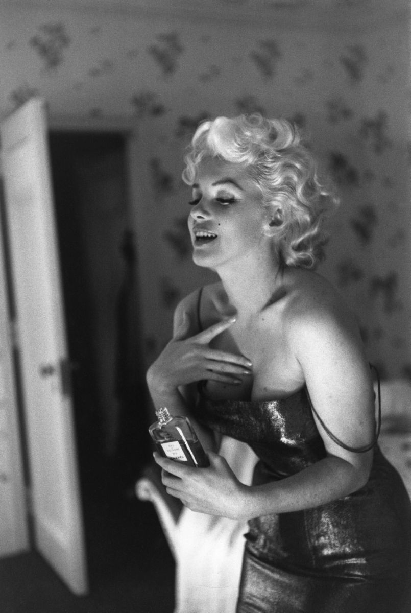 Marilyn Getting Ready To Go Out New York
