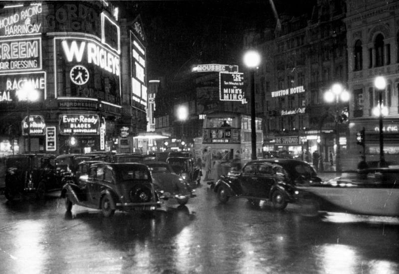 Piccadilly Night